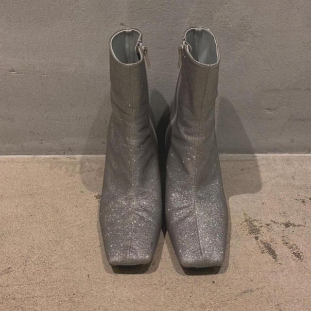 Ameri VINTAGE(アメリヴィンテージ)のまき様専用★AMERI SQUARE GLITTER BOOTS レディースの靴/シューズ(ブーツ)の商品写真