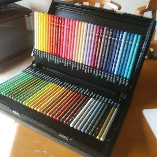 ミツビシエンピツ(三菱鉛筆)の三菱鉛筆ユニカラー72色セット(色鉛筆)