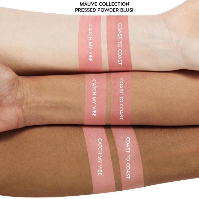 colourpop(カラーポップ)のColourPopカラーポップ ブラッシュ& Kabuki フェイスブラシ コスメ/美容のベースメイク/化粧品(チーク)の商品写真