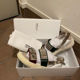 TOGA - TOGAPULLA×RayBEAMS Metal Sneaker Sandal