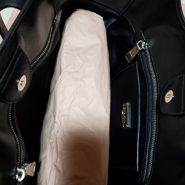 miumiu(ミュウミュウ)のMIUMIU スタッズ トートバッグ レディースのバッグ(ショルダーバッグ)の商品写真