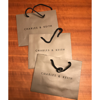 チャールズアンドキース(Charles and Keith)のCHARLES &KEITH ショップバッグ×3枚セット グレーブラウン茶色(ショップ袋)