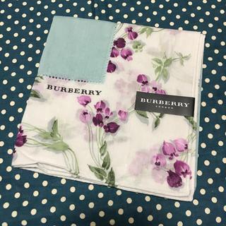 BURBERRY - ★ バーバリー ハンカチ 大判 水色 小花柄