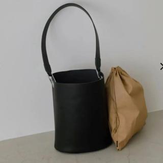 エンフォルド(ENFOLD)のRIM.ARK Leather bucket bag(ショルダーバッグ)