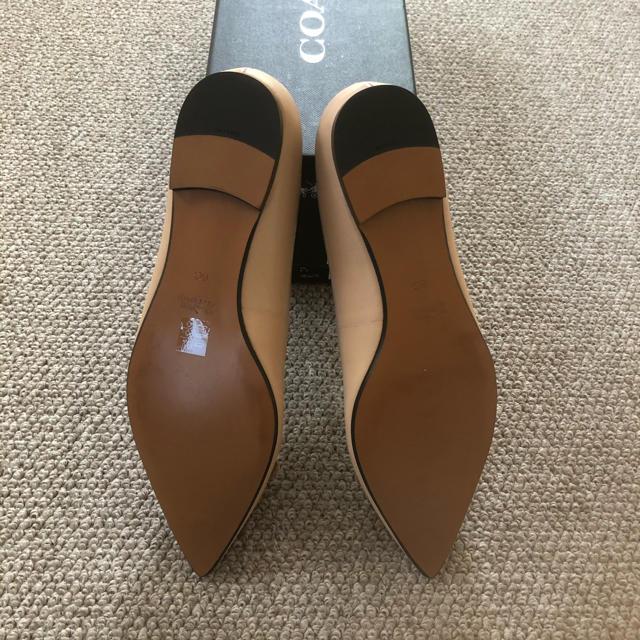 COACH(コーチ)の未使用♡愛らしさ満点 足元から華やかさが フラワーモチーフ レディースの靴/シューズ(バレエシューズ)の商品写真