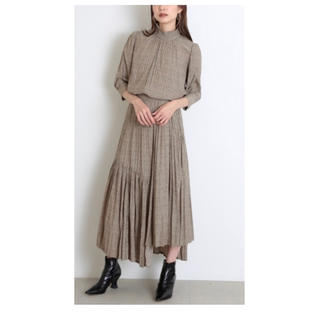 snidel - 完売カラー♡ 【セット価格】イレギュラープリーツプリントブラウス&スカート