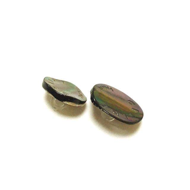 celine(セリーヌ)のセリーヌ ボタン 2個 ハンドメイドの素材/材料(各種パーツ)の商品写真