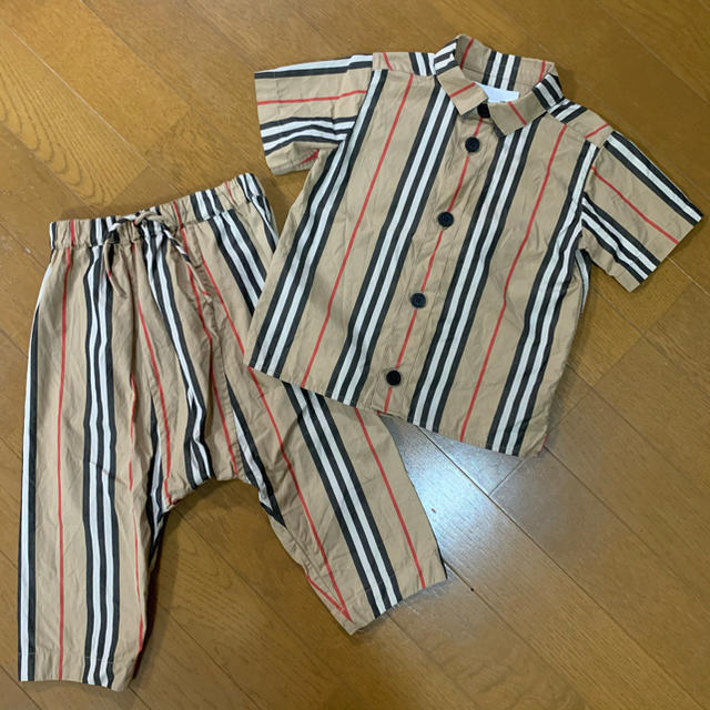 BURBERRY(バーバリー)のBurberry セット販売 キッズ/ベビー/マタニティのキッズ服男の子用(90cm~)(Tシャツ/カットソー)の商品写真