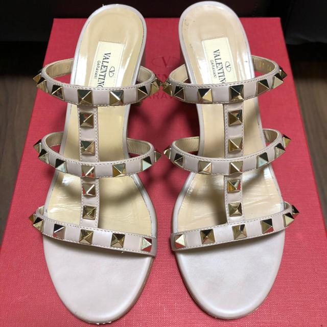 VALENTINO(ヴァレンティノ)のヴァレンティノ  ロックスタッズ ミュール  サンダル  35 レディースの靴/シューズ(サンダル)の商品写真