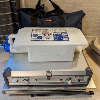 ユニフレーム(UNIFLAME)のユニフレーム美品ツインバーナーキッチンスタンドタンクバッグセットUS-1900(調理器具)