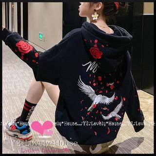 【~3L相当】鶴&薔薇刺繍パーカートレーナー*黒