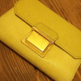 ミュウミュウ(miumiu)のMIUMIU折り財布(財布)