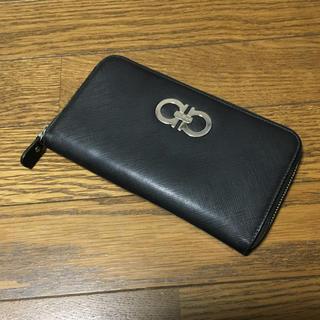 サルヴァトーレフェラガモ(Salvatore Ferragamo)のフェラガモ ガンチーニ ラウンド 財布(財布)