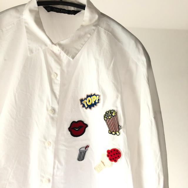 ZARA(ザラ)の【美品】ZARA シャツ ワッペン レディースのトップス(シャツ/ブラウス(長袖/七分))の商品写真