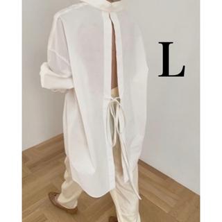 TODAYFUL - バックオープンシャツ  ホワイト 秋 冬 白シャツ ロング スリット リボン 白