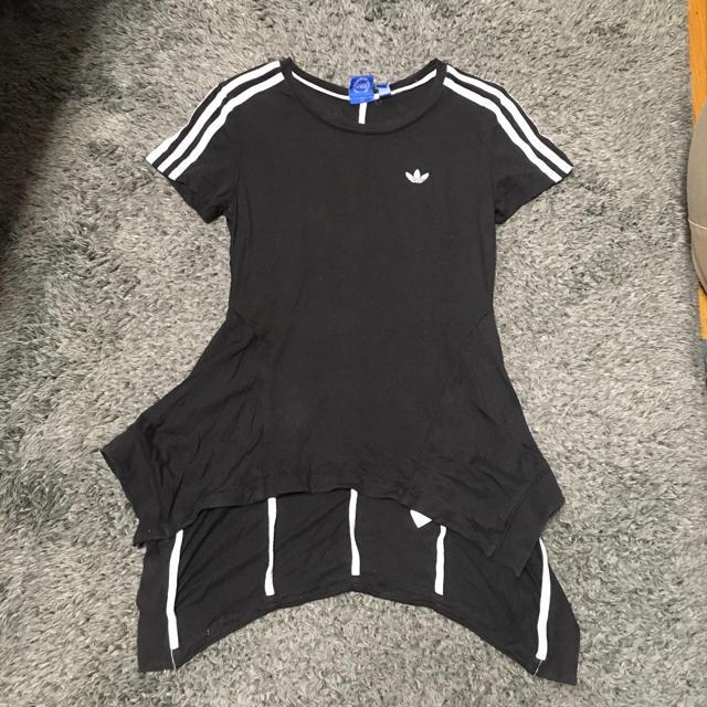 adidas(アディダス)のアディダス 半袖 レディースのトップス(Tシャツ(半袖/袖なし))の商品写真