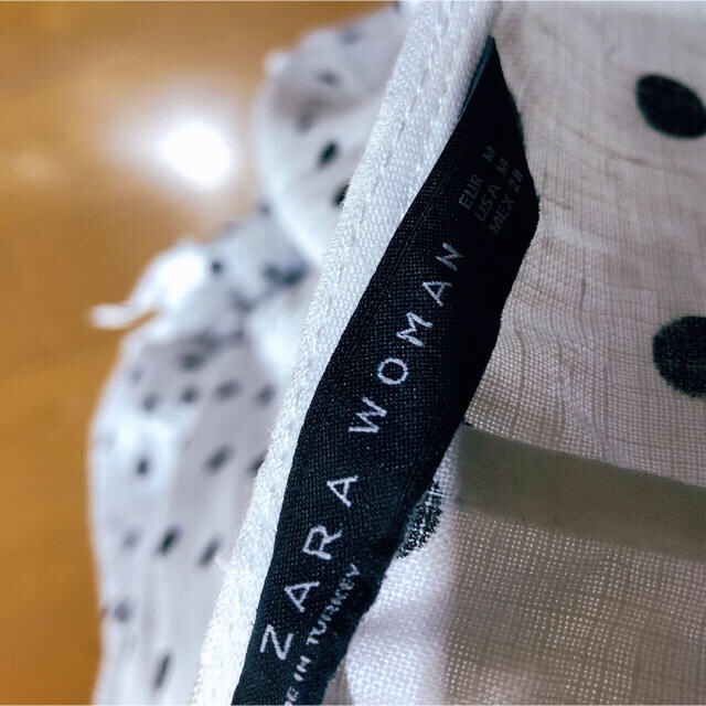 ZARA(ザラ)の美品   ZARA    ドットウエストマークトップス レディースのトップス(シャツ/ブラウス(長袖/七分))の商品写真