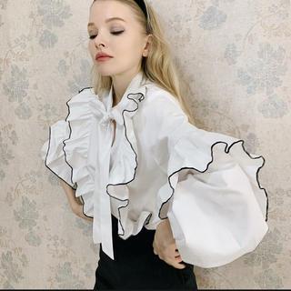 ハニーミーハニー(Honey mi Honey)のepine piping frill volume blouse(シャツ/ブラウス(長袖/七分))