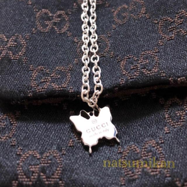 Gucci(グッチ)のGUCCI ロゴ入り バタフライ 蝶々 ネックレス レディースのアクセサリー(ネックレス)の商品写真