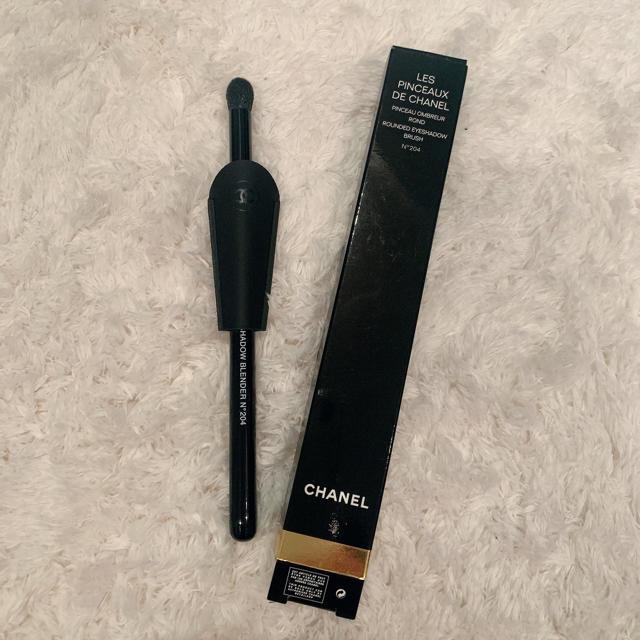 CHANEL(シャネル)のCHANEL パンソーオンブラーロン 204 アイシャドウブラシ コスメ/美容のベースメイク/化粧品(その他)の商品写真