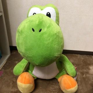 ニンテンドウ(任天堂)のお座りヨッシーぬいぐるみ(キャラクターグッズ)