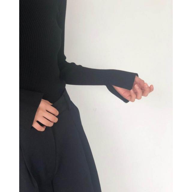 TODAYFUL(トゥデイフル)のharu様専用TODAYFUL Flarecuffs Rib Knit ブラック レディースのトップス(ニット/セーター)の商品写真