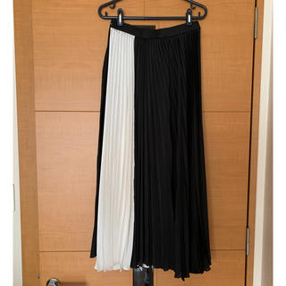 ルシェルブルー(LE CIEL BLEU)のlecielbleu 黒×白プリーツスカート 美品 (ロングスカート)