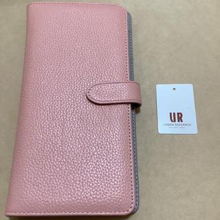 アーバンリサーチ(URBAN RESEARCH)のパスポートケース 合成皮革 ピンク(旅行用品)