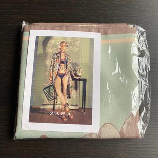 ザラ(ZARA)のZARA ノベルティ 非売品 スカーフ 風呂敷 緑 ストール バンダナ 秋(バンダナ/スカーフ)