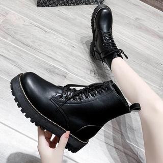 ショートブーツ 厚底 皮 レザー 黒 ブラック 走れる 歩きやすい ショート丈