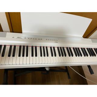 ヤマハ(ヤマハ)のYAMAHA  電子ピアノ p-125WH スタンドサスティンペダルセット(電子ピアノ)