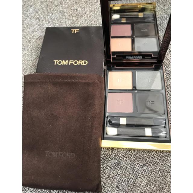 TOM FORD(トムフォード)のトムフォード アイ カラー クォード 22 スーパーヌーヴォー 新品 コスメ/美容のベースメイク/化粧品(アイシャドウ)の商品写真
