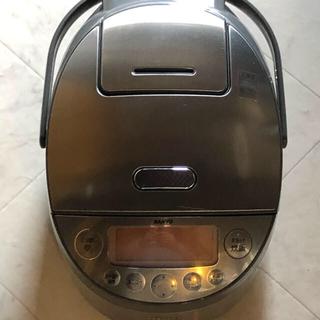 サンヨー(SANYO)の圧力IH炊飯器(5.5合炊き)ステンレスゴールド おどり炊き(炊飯器)