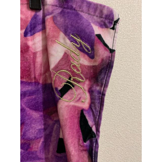 Rady(レディー)のrady レディ バスタオル エレガントフラワー エレガンスフラワー インテリア/住まい/日用品の日用品/生活雑貨/旅行(タオル/バス用品)の商品写真