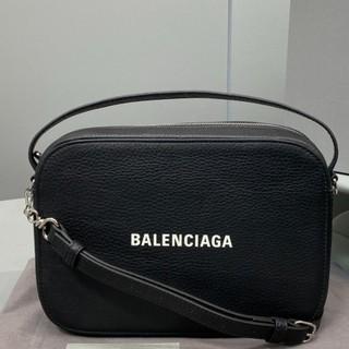 Balenciaga - 値下げBalenciaga バレンシアガ カメラバッグ XS