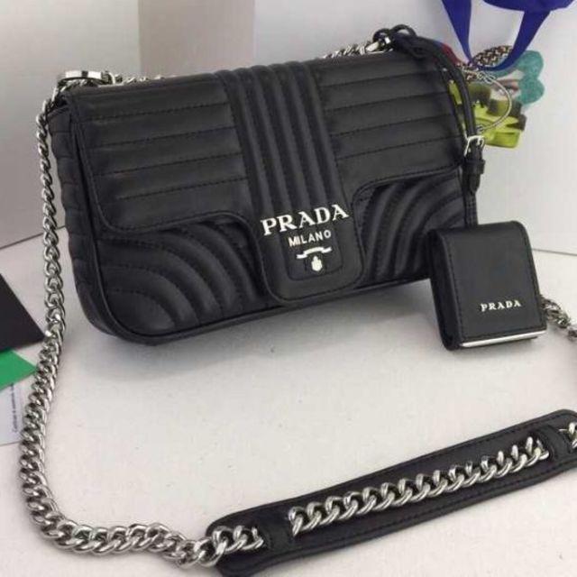 PRADA(プラダ)の【超美品】ショルダーバッグ クラッチ レディースのバッグ(ショルダーバッグ)の商品写真