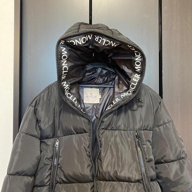 モンクレール MONCLER ダウンジャケット メンズのジャケット/アウター(ダウンジャケット)の商品写真
