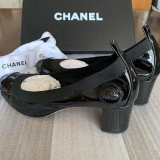 CHANEL - 極美品 CHANEL パンプス 黒 ココマーク 36 エナメル チャンキーヒール
