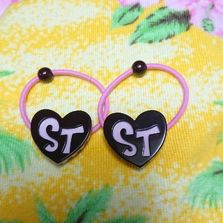 シャーリーテンプル(Shirley Temple)のシャーリーテンプル♥新品♥アクリルヘアゴム♥ピンク×ブラウン(その他)