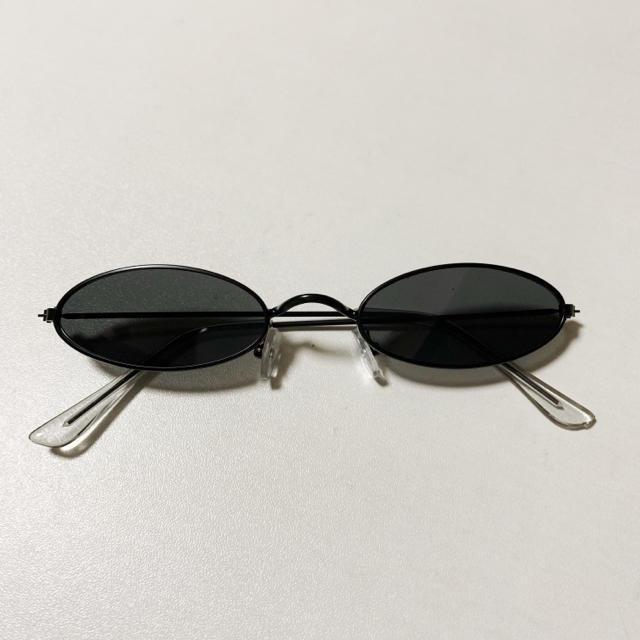 丸目 カラーレンズ サングラス 黒 メンズのファッション小物(サングラス/メガネ)の商品写真