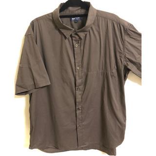 ビームス(BEAMS)の【美品】BEAMS シャツ(シャツ/ブラウス(半袖/袖なし))