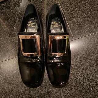 ロジェヴィヴィエ(ROGER VIVIER)のロジェヴィヴィエ ローファー(ローファー/革靴)