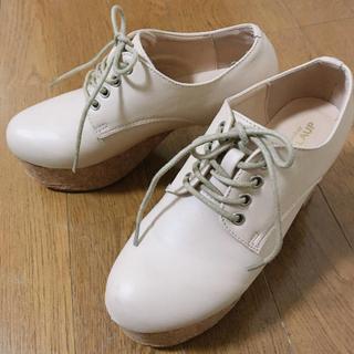 ナイスクラップ(NICE CLAUP)のナイスクラップ 厚底のレースアップシューズ 7cm ベージュ(ローファー/革靴)