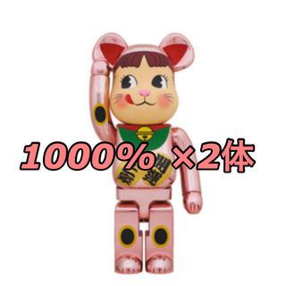 メディコムトイ(MEDICOM TOY)のBE@RBRICK 桃金メッキ 招き猫ペコちゃん1000%×2(その他)