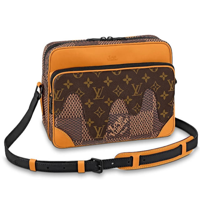 LOUIS VUITTON(ルイヴィトン)のvuitton nigo ナイル メッセンジャー ヴィトン ショルダーバッグ メンズのバッグ(ショルダーバッグ)の商品写真