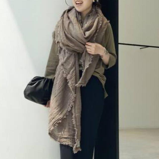 L'Appartement DEUXIEME CLASSE(アパルトモンドゥーズィエムクラス)のL'Appartement 【MAISON DE VACANCES】 ストール  レディースのファッション小物(ストール/パシュミナ)の商品写真