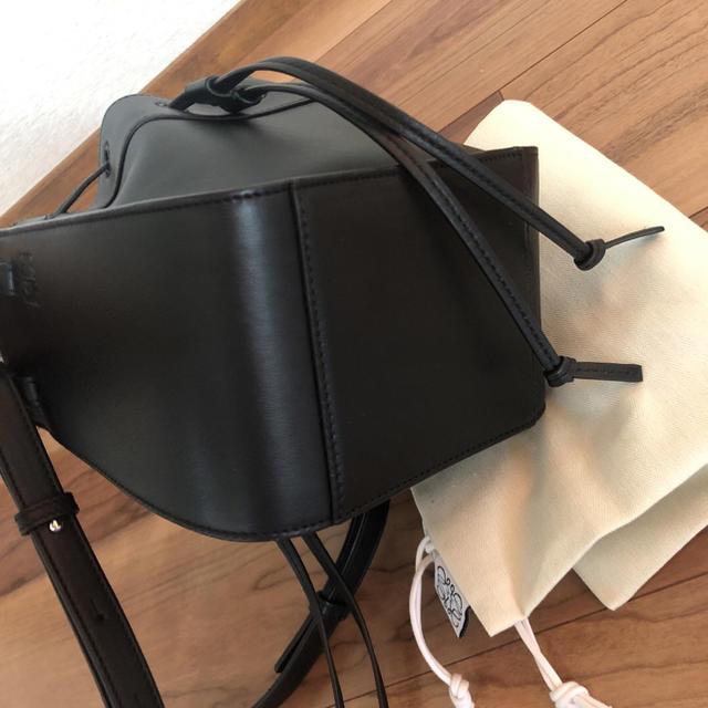 LOEWE(ロエベ)の試着のみ ロエベ  ハンモック  ミニ バッグ レディースのバッグ(ショルダーバッグ)の商品写真