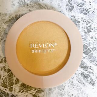 レブロン(REVLON)の美品・大人気 レブロン スキンライトパウダー101 REVLON(フェイスパウダー)