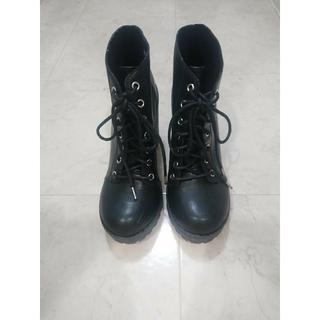 エイチアンドエム(H&M)のH&M ショートブーツ ブラック(ブーツ)