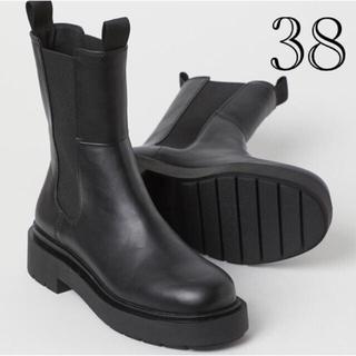 エイチアンドエム(H&M)の【新品未使用】38ハイプロファイルチェルシーブーツ(ブーツ)